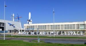 ob_44ae21_l-esplanade-du-musee-de-l-air-et
